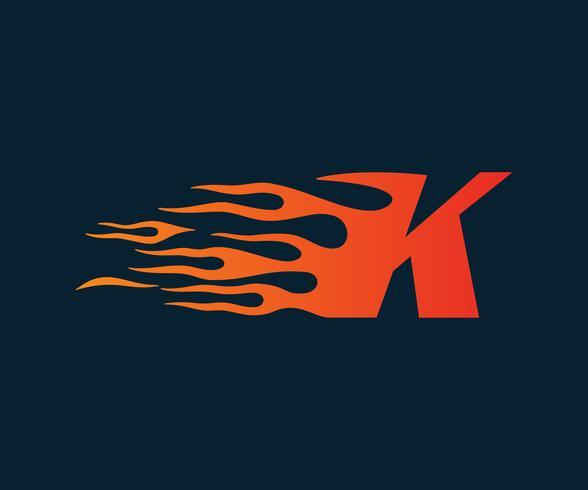 Logo della lettera K fiamma. modello di concetto di velocità logo design vettore