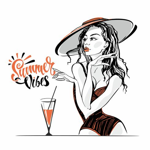 Vibrazioni estive. Lettering. La ragazza con il cappello e il costume da bagno. Vacanza. Modello in posa. vettore