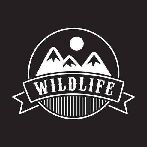 Logo e badge Adventure, ottimi per la stampa vettore