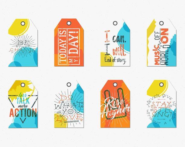 Collezione di tag creativi con detti tipografia ispirazione, segni. Set di etichette e testi vettoriali di motivazione - più azione, aumento più in alto. Modelli di poster per il web, stampe su maglietta, design tee