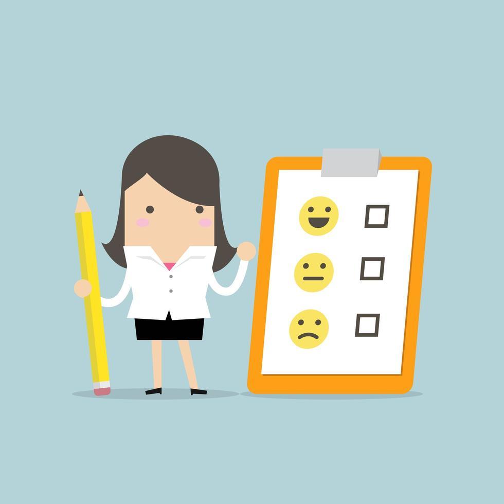 Matita della tenuta della donna di affari e carta del feedback della lista di controllo sulla lavagna per appunti vettore