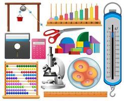 set di attrezzature scientifiche su sfondo bianco