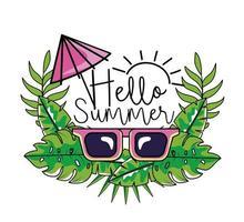 occhiali da sole con ombrellone e fogliame