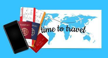 passaporto, biglietti, carta di credito e smartphone sulla mappa blu