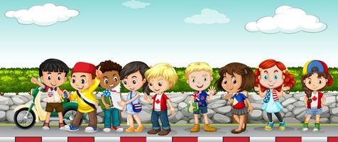 bambini che vanno in giro sul marciapiede vettore