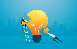 uomini d'affari mettendo insieme la lampadina del puzzle vettore