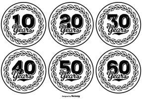 Collezione di etichette disegnate a mano in stile Anniversary
