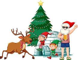 Babbo Natale in costume estivo con elfo e renna su sfondo bianco