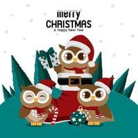 gufo di Natale nello stivale di Babbo Natale con gli amici gufo