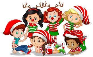 i bambini indossano il personaggio dei cartoni animati del costume di natale su priorità bassa bianca
