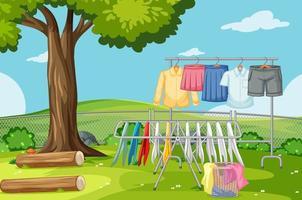 vestiti stesi in linea nel cortile