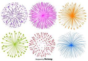 Insieme di vettore delle illustrazioni dei fuochi d'artificio su fondo bianco