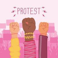 mani interrazziali con i pugni alzati per protestare