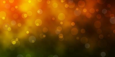 verde scuro, sfondo giallo con cerchi.