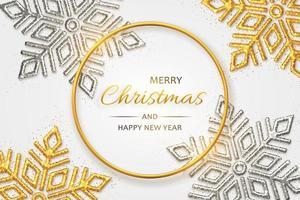 sfondo di Natale con brillanti fiocchi di neve d'oro e d'argento vettore