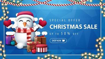 banner con ghirlanda e pupazzo di neve in cappello di Babbo Natale vettore