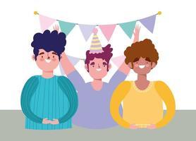festa online, compleanno o incontro con amici, uomini felici del gruppo con celebraton cappello e gagliardetti vettore