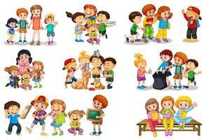 set di diversi bambini che giocano con i loro giocattoli personaggio dei cartoni animati isolato su sfondo bianco vettore
