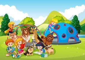 scena all'aperto del parco giochi con molti bambini e il loro animale domestico vettore