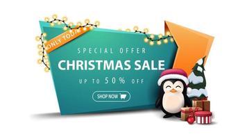 offerta speciale, saldi natalizi, sconti fino a 50, banner sconto verde in ghirlanda ferita stile cartone animato con pinguino in cappello di babbo natale con regali