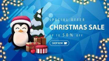 offerta speciale, saldi natalizi, fino a 50 di sconto, banner sconto blu con ghirlanda, forma astratta, struttura poligonale e pinguino in cappello di babbo natale con regali