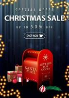 offerta speciale, saldi natalizi, fino a 50 sconti, banner verticale blu scuro e sconto con cassetta delle lettere di Babbo Natale con regali vettore