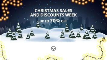 settimana di saldi e sconti natalizi, fino a 70 di sconto, banner di sconto per sito Web con paesaggio invernale notturno sullo sfondo vettore