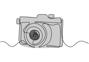 un disegno a tratteggio dello stile lineare della fotocamera. immagine nera isolato su sfondo bianco. illustrazione vettoriale di stile minimalismo disegnato a mano