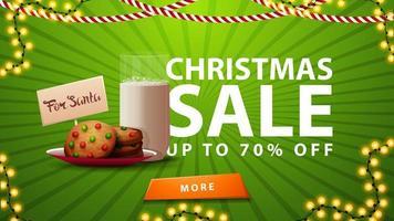 saldi natalizi, fino a 70, striscione verde con ghirlanda, bottone e biscotti con un bicchiere di latte per babbo natale vettore