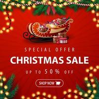 offerta speciale, saldi natalizi, fino a 50 sconti, banner quadrato rosso sconto con ghirlanda di albero di natale, ghirlanda di bulbi e slitta di Babbo Natale con regali vettore