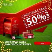 saldi natalizi e settimana di sconti, fino a 50 di sconto, banner web moderno luminoso verde e rosso con pulsante, ghirlanda e cassetta delle lettere di Babbo Natale con regali vettore