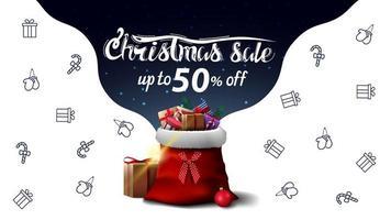 saldi natalizi, fino a 50 sconti, bellissimo banner sconto bianco e blu con borsa di babbo natale con regali e icone delle linee natalizie, immaginazione spaziale vettore