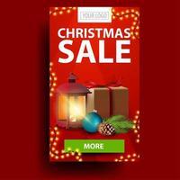 moderno banner sconto di Natale rosso con regalo, lanterna vintage, ramo di un albero di Natale con un cono e una palla di Natale vettore