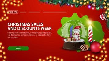 vendite natalizie e settimana di sconti, moderno banner rosso di sconto con globo di neve e candela natalizia vettore
