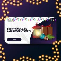 settimana di saldi e sconti natalizi, banner web moderno orizzontale con regalo, lanterna vintage, ramo di un albero di Natale con un cono e una palla di Natale vettore