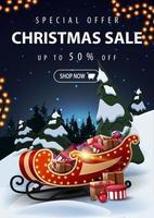 offerta speciale, saldi di natale, fino a 50 di sconto, bellissimo banner sconto con paesaggio invernale notturno dei cartoni animati sullo sfondo e slitta di Babbo Natale con regali in primo piano vettore