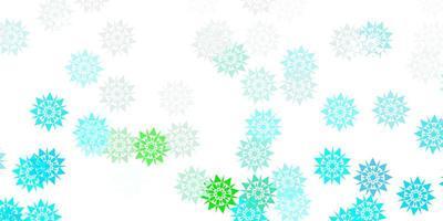 layout vettoriale azzurro, verde con bellissimi fiocchi di neve.