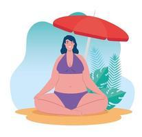 donna carina in costume da bagno seduto sulla spiaggia, stagione delle vacanze estive vettore