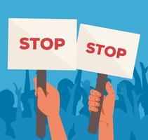 mani alzate che tengono i segni di protesta vettore