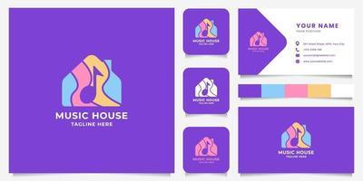 nota musicale spazio negativo colorato sul logo della casa con modello di biglietto da visita vettore