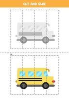tagliare e incollare gioco per bambini. scuolabus dei cartoni animati. vettore