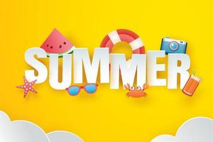ciao estate con origami di decorazione sullo sfondo giallo cielo vettore