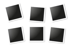 set di cornici quadrate realistiche, design mockup cornice foto vettoriale. cornici vettoriali collage di foto su sfondo bianco.