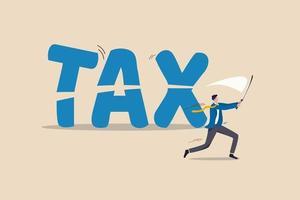 taglio delle tasse, politica del governo in crisi economica o pianificazione finanziaria per il concetto di riduzione delle tasse, consulente finanziario di uomo d'affari professionista o impiegato che usa la spada per tagliare la parola tassa. vettore