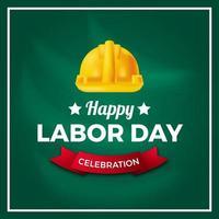 festa del lavoro, cultura della democrazia della giornata internazionale dei lavoratori con casco giallo di sicurezza su sfondo verde. vettore