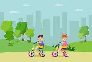 bambini che vanno in bicicletta nel parco cittadino. alberi sullo sfondo. illustrazione vettoriale
