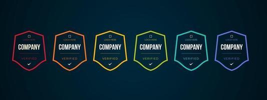 design del logo del badge certificato per i certificati del badge di formazione aziendale da determinare in base a criteri. set bundle certificare modello di illustrazione vettoriale colorato.