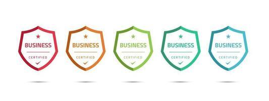 set di certificati badge di formazione aziendale da determinare in base a criteri. modello di progettazione logo certificato illustrazione vettoriale. vettore