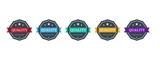 design del badge logo certificato di qualità. modello di icona qc. controllo dell'etichetta del certificato aziendale. illustrazione vettoriale. vettore