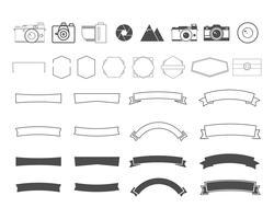 Fotografia vintage e simboli retrò, nastri, cornici, elementi. Crea le tue icone, badge, set di etichette. Modelli di logo della fotocamera vettoriale. vettore